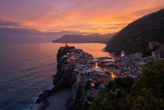 Explore-Stunning-The-Cinque-Terre-town-Of-Vernazza-On-The-Italian-Riviera-17