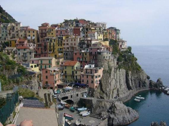 Explore-Stunning-The-Cinque-Terre-town-Of-Vernazza-On-The-Italian-Riviera-4