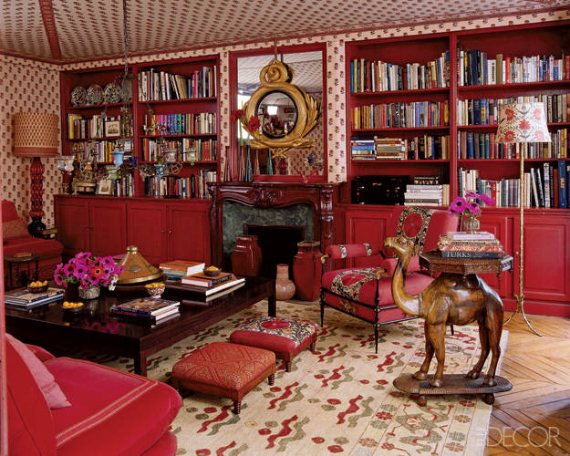 Hot Valentine Room Designs in Rich and Energetic Red Colors   (37)