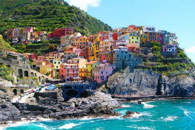 Riomaggiore An Incredible cliff-Side Village In Italy