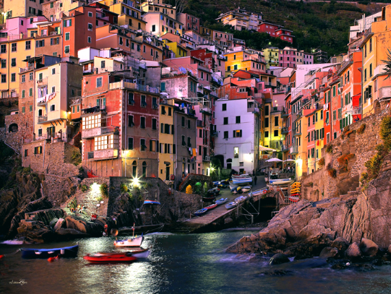 Riomaggiore An Incredible cliff-Side Village In Italy (9)