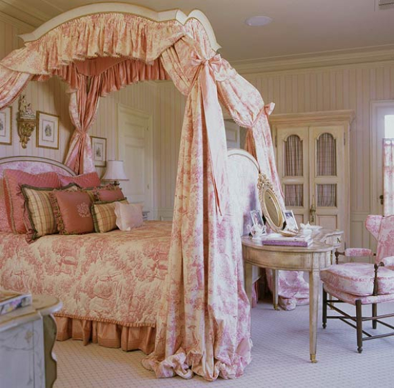 Romantic French Flair Rooms and Decorating Ideas (49)