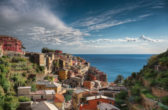 The Colorful Cliff-Side Town of Manarola , La Spezia,  Italy (25)