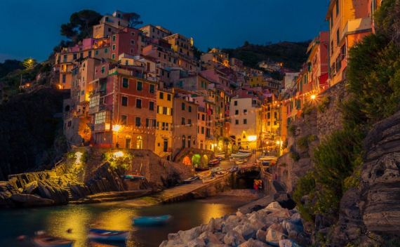 The Colorful Cliff-Side Town of Manarola , La Spezia,  Italy (28)