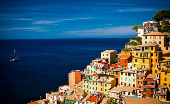 The Colorful Cliff-Side Town of Manarola , La Spezia,  Italy (29)