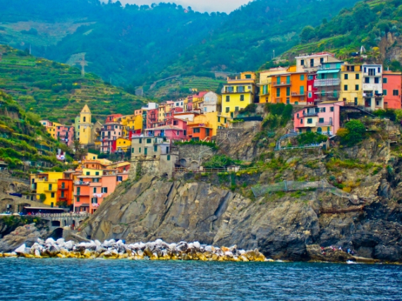 The Colorful Cliff-Side Town of Manarola , La Spezia,  Italy (32)