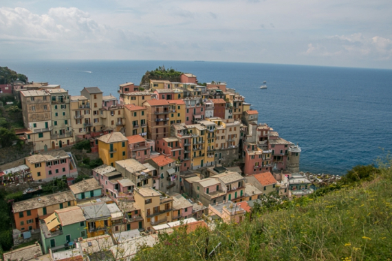 The Colorful Cliff-Side Town of Manarola , La Spezia,  Italy (4)