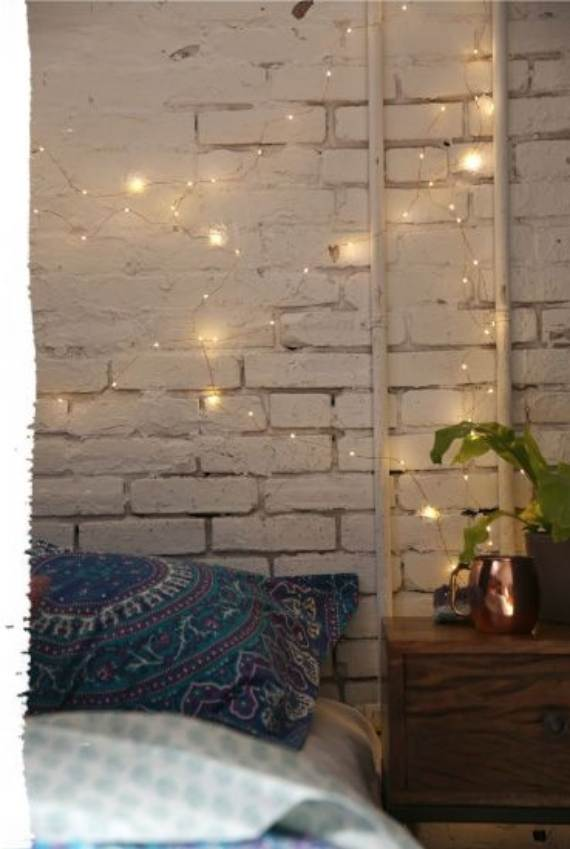 45-Atmospheric-Holiday-Decorating-Ideas-With-Fairy-Lights-26
