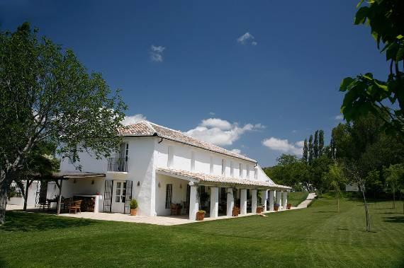 a-stunning-spanish-stay-la-huerta-el-noque-andalucia-11