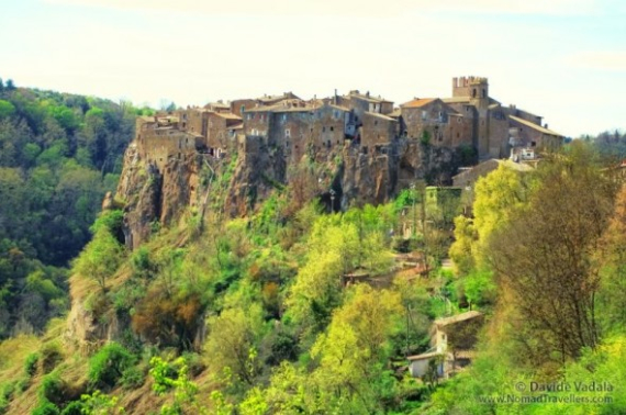 Calcata A Precarious Small Town In Italy (1)