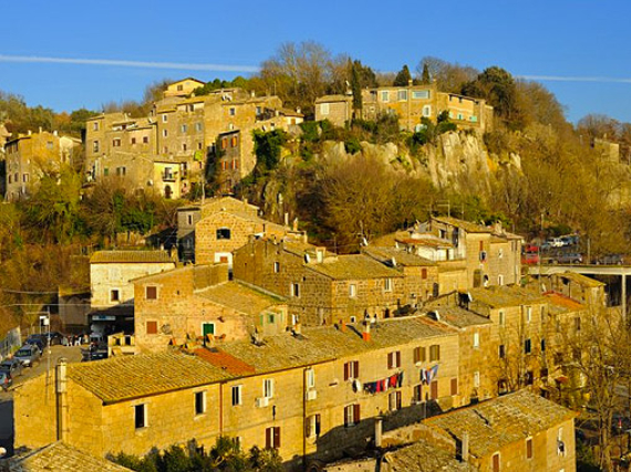 Calcata A Precarious Small Town In Italy (4)