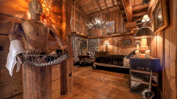 chalet-le-rocher-a-luxury-chalet-embedded-in-the-cliffs-in-the-alps-region-of-savoie-12