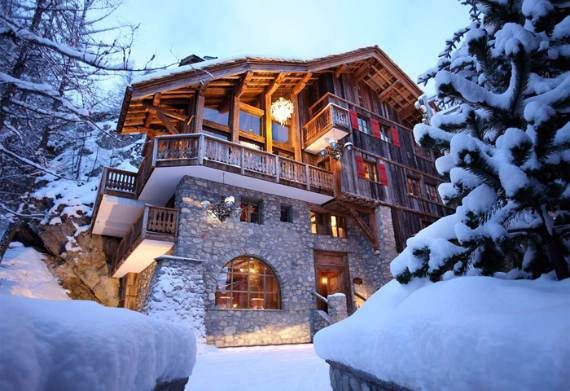 chalet-le-rocher-a-luxury-chalet-embedded-in-the-cliffs-in-the-alps-region-of-savoie-14