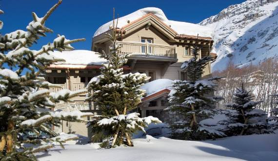 exquisite-holiday-retreat-in-the-french-alps-white-pearl-chalet-3