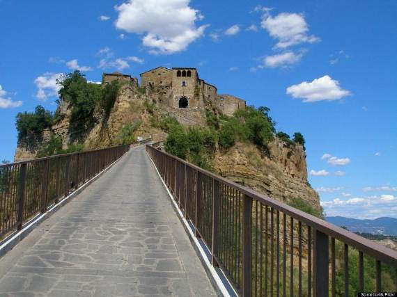 italys-civita-di-bagnoregio-jewel-on-the-hill-11-2