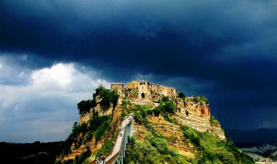italys-civita-di-bagnoregio-jewel-on-the-hill-2