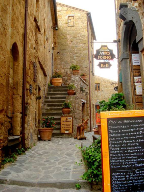 italys-civita-di-bagnoregio-jewel-on-the-hill-6