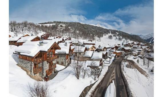 luxurious-chalet-du-vallon-offering-extended-views-of-the-alps-in-meribel-france-4