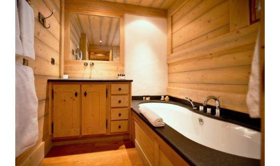 luxurious-chalet-du-vallon-offering-extended-views-of-the-alps-in-meribel-france-7