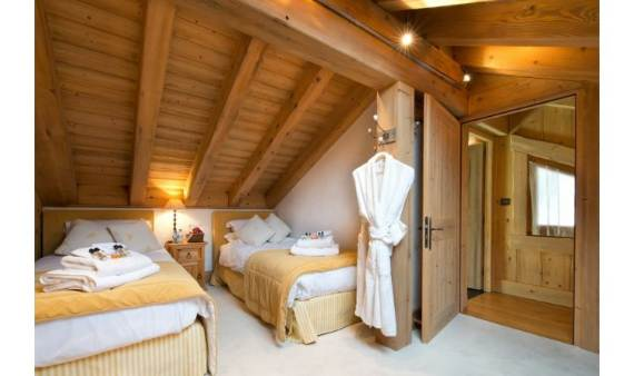 luxurious-chalet-du-vallon-offering-extended-views-of-the-alps-in-meribel-france-8