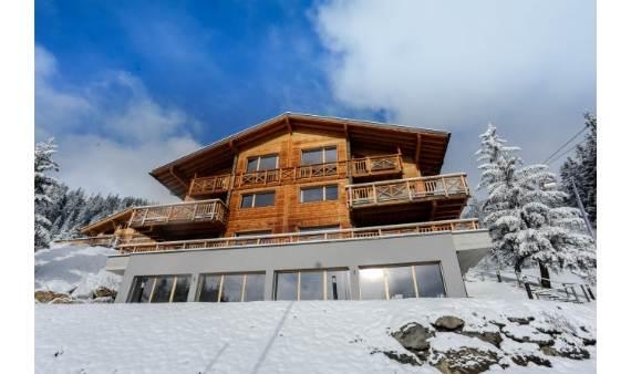 ski-resort-winter-escape-elegant-benou-chalet-in-the-swiss-alps-3