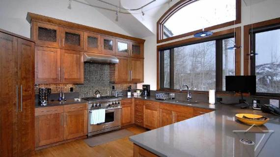 villa-ariel-inspiring-modern-home-in-aspen-with-a-charming-interior-desig-11