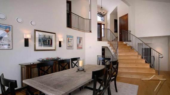 villa-ariel-inspiring-modern-home-in-aspen-with-a-charming-interior-desig-2
