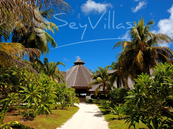 Wandering Through Paradise Exquisite Villas On Denis Private Island Seychelles (15)
