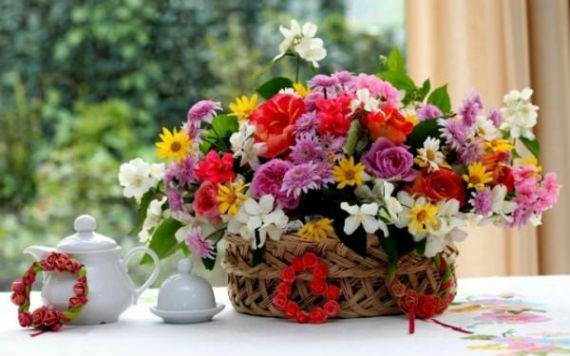 45-Awesome-Mother's-Day-Flower-Gift-Decoration-Ideas-18
