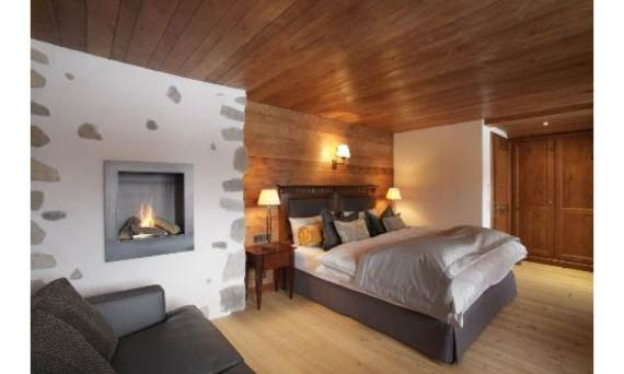 bright-and-cosy-chalet-displaying-an-interesting-shape-in-austria-jazzi-46