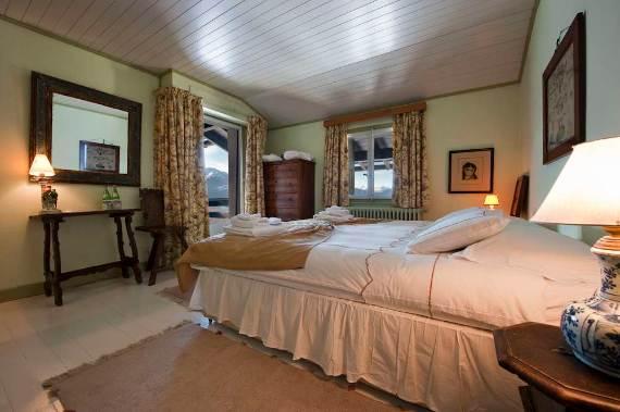 domaine-de-la-baronne-old-world-charm-in-private-estate-just-outside-crans-montana-3