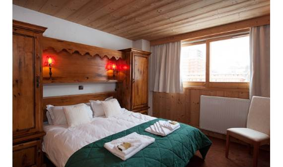 holiday-teasing-impressive-annecy-suite-in-la-plagn-paradiski-france-5