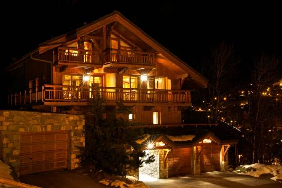 holiday-teasing-impressive-ski-chalet-chalet-chopine-on-the-french-alp-21