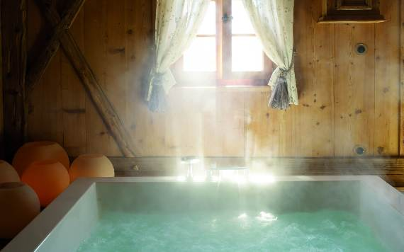 italys-best-ski-chalet-san-lorenzo-in-touch-with-the-charming-italian-landscape-12