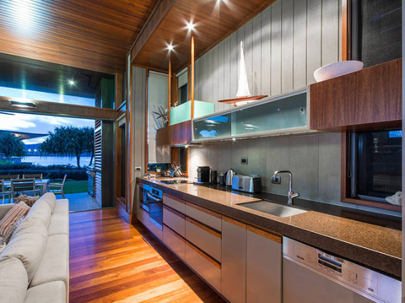 Luxury Yacht Club Villa 6 Blending in With Sea Waters Hamilton Island, Queensland, Australia (15)