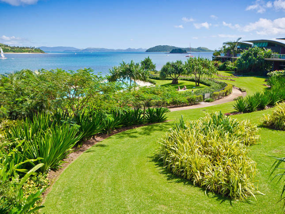 Luxury Yacht Club Villa 6 Blending in With Sea Waters Hamilton Island, Queensland, Australia (23)