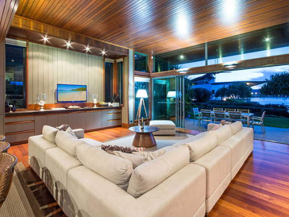 Luxury Yacht Club Villa 6 Blending in With Sea Waters Hamilton Island, Queensland, Australia (27)