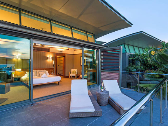 Luxury Yacht Club Villa 6 Blending in With Sea Waters Hamilton Island, Queensland, Australia (36)