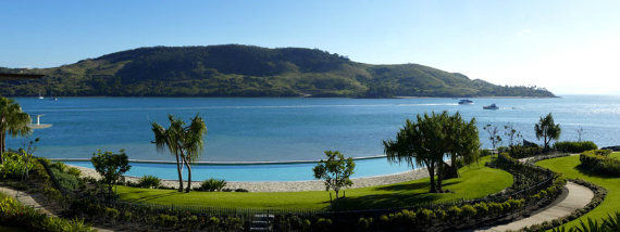 Luxury Yacht Club Villa 6 Blending in With Sea Waters Hamilton Island, Queensland, Australia (4)