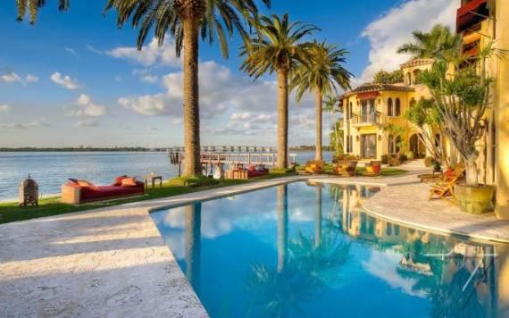 the-luxurious-jasmine-villa-hotel-in-miami-florida-40