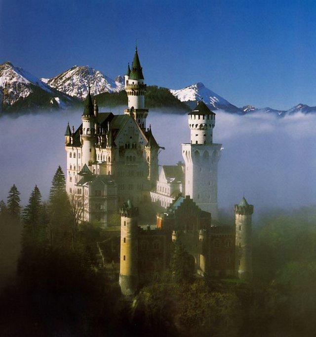 The Swan King's Castles Neuschwanstein– Germany (4)