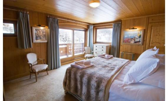 the-unique-luxury-experience-of-the-french-courchevel-chalet-belle-vue-7