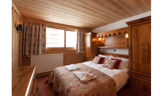 a-home-away-from-home-a-stylish-and-personal-retreat-bourget-suite-la-plagne-paradiski-france-9