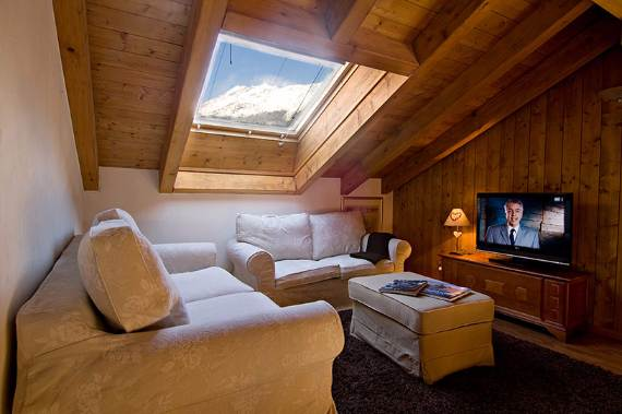 chalet-carmen-in-zermatt-breathtaking-masterpiece-in-the-swiss-alps-12