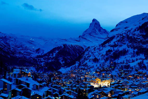Great Holidays at Zermatt Ski Paradise Overlooking the Swiss Alp  (2)