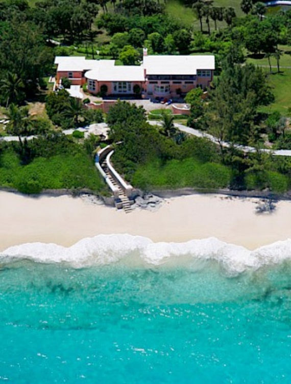 Living Large Within a Natural Paradise The Little Whale Cay in Bahamas (3)