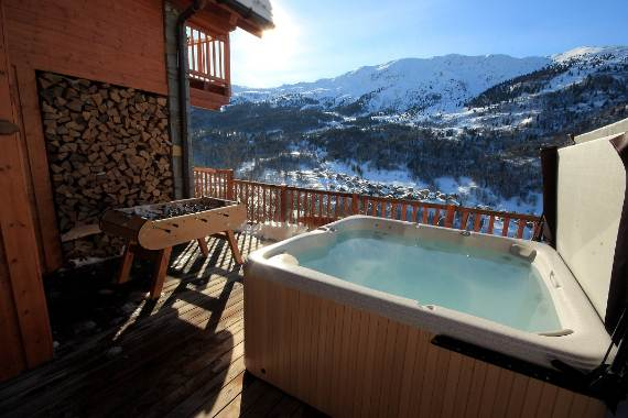 luxurious-ski-retreat-offering-mesmerizing-views-chalet-iamato-meribel-france-5