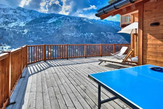luxurious-ski-retreat-offering-mesmerizing-views-chalet-iamato-meribel-france-8