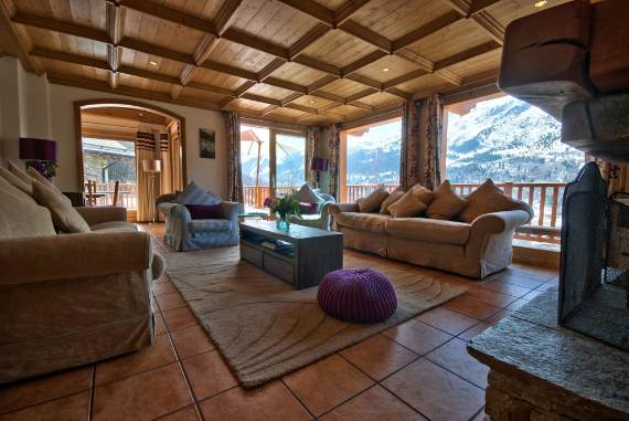luxurious-ski-retreat-offering-mesmerizing-views-chalet-iamato-meribel-france-9