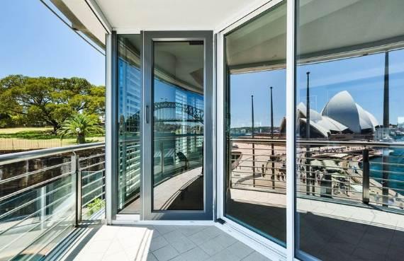 luxury-in-every-detail-extraordinary-opera-house-cbd-sydney-australia-1